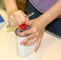E-Conceptionorg アロマの部屋 キャリアオイル1L缶の開け方